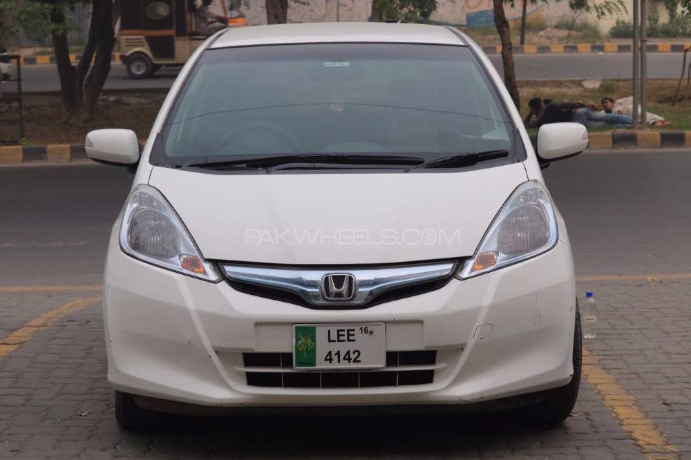 Honda Fit Hybrid Smart Selection 2012 Image-1