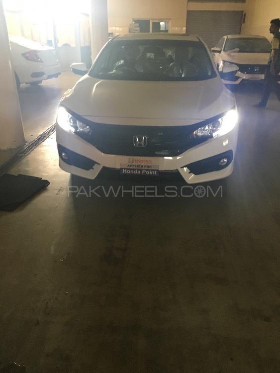 Honda Civic Turbo 1.5 VTEC CVT 2016 Image-1