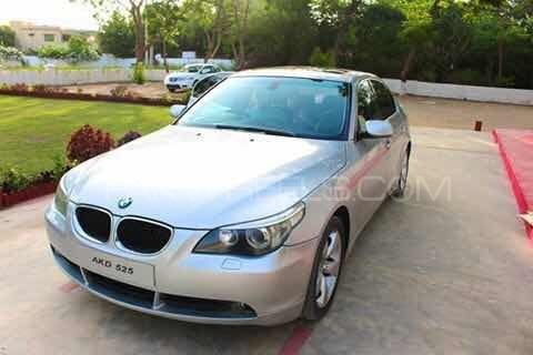 BMW 5 Series 525i 2004 Image-1