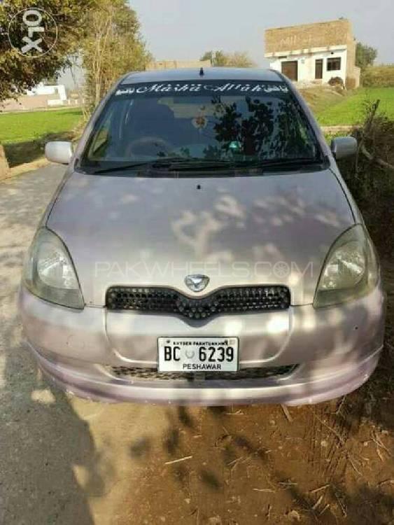 Toyota Vitz FL 1.0 2000 Image-1