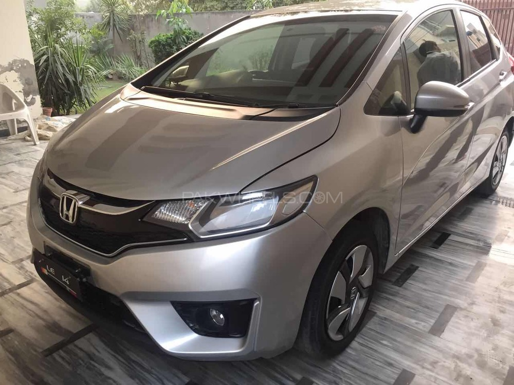 Honda Fit 1.5 Hybrid L Package 2013 Image-1