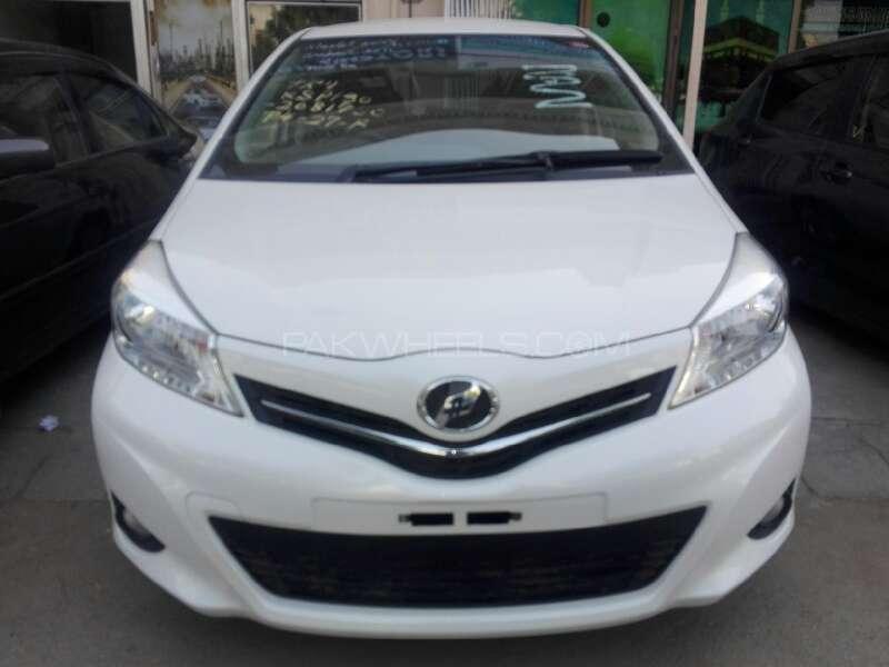 Toyota Vitz Jewela 1.0 2013 Image-1