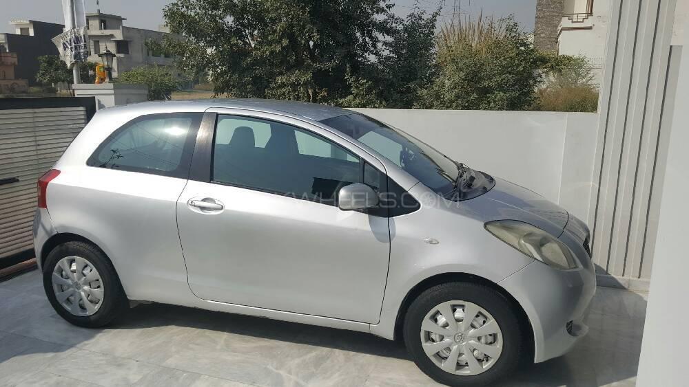 Toyota Yaris 2007 Image-1