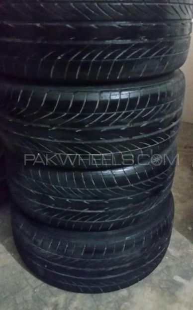 Goodyear low profile tyre 21540R17 Image-1