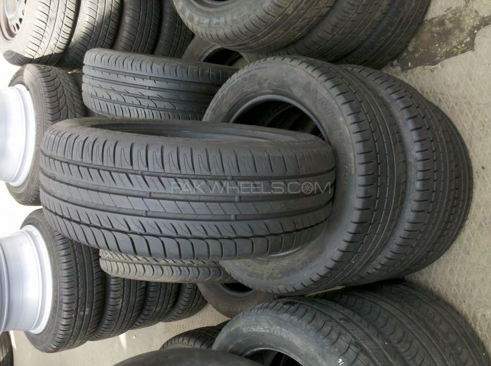 225/55R16 Michelin Tyres set Mouth watering condition no fault Image-1
