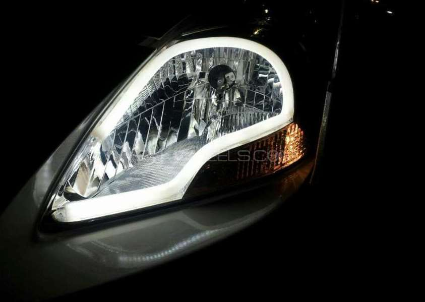 Head and bumper lights Image-1
