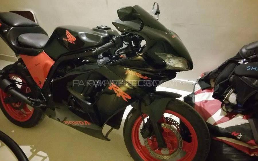 Honda CBX 1998 Image-1