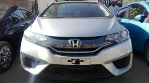 Slide_honda-fit-hybrid-base-grade-1-5-2014-13761861