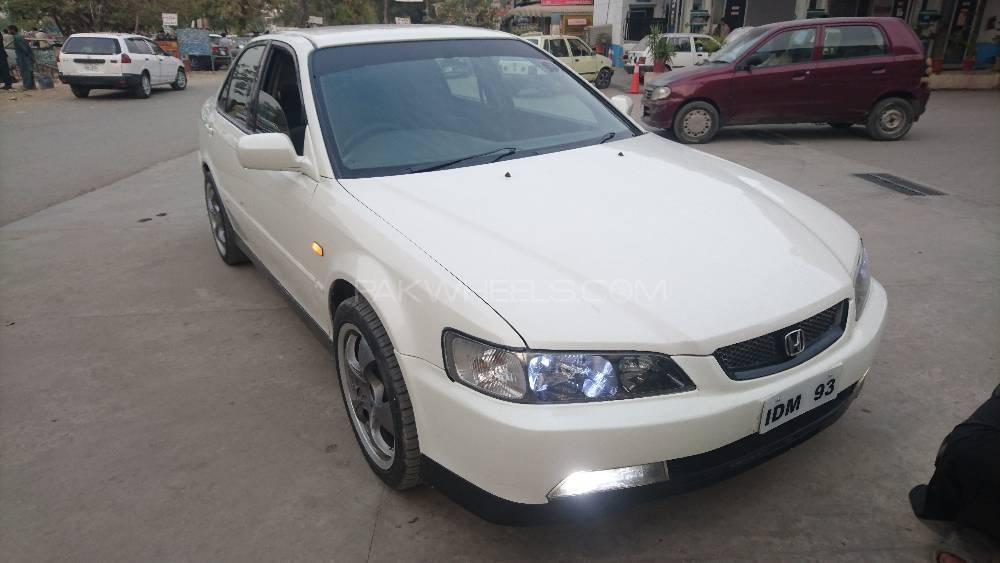 Honda Accord 2001 Image-1