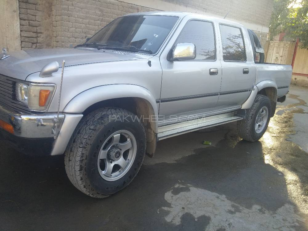 Great Toyota Hilux Double Cab 1993