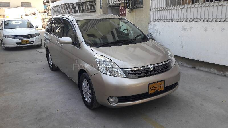 Toyota ISIS Platana 2006 Image-1