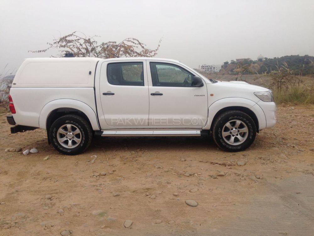 Toyota Hilux D-4D 2012 Image-1