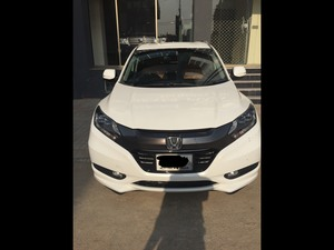 Honda Vezel Hybrid Z 2015 for Sale in Islamabad