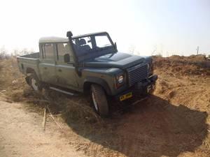 Slide_land-rover-defender-130-2008-13849921