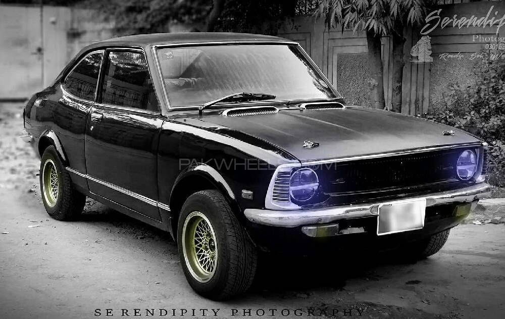 Toyota Corolla GL Saloon 1972 Image-1