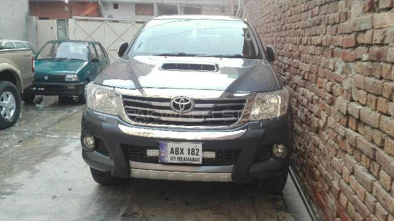 Toyota Hilux D-4D Automatic 2012 Image-1
