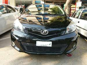 Toyota Vitz B 1.0 2011 for Sale in Islamabad
