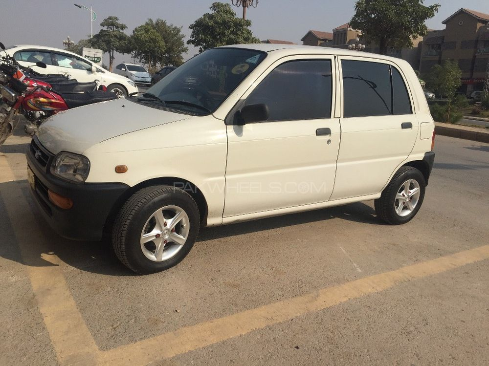 Daihatsu Cuore CL 2005 Image-1