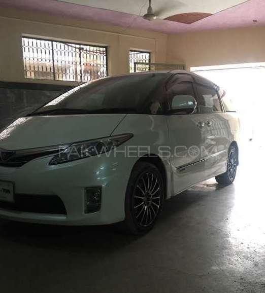 Toyota Estima X 2010 Image-1