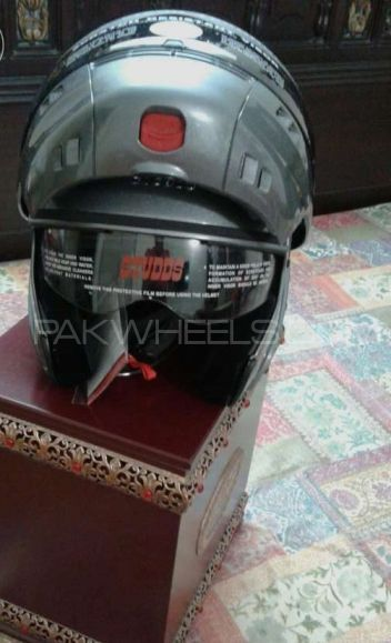 Branded quality Helmet Image-1