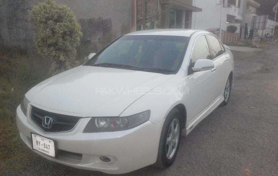 Honda Accord CL7 2002 Image-1
