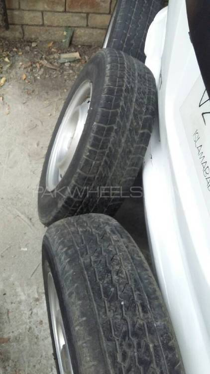 good condition tyres Image-1