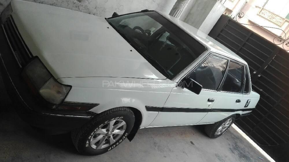 Toyota Corona 1985 Image-1