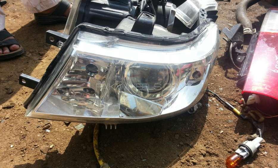Wagon r stingray 2011 head light  Image-1