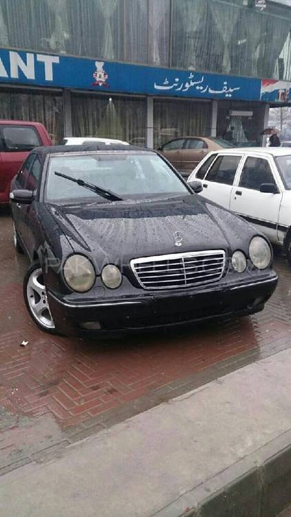 Mercedes Benz E Series 2000 Image-1