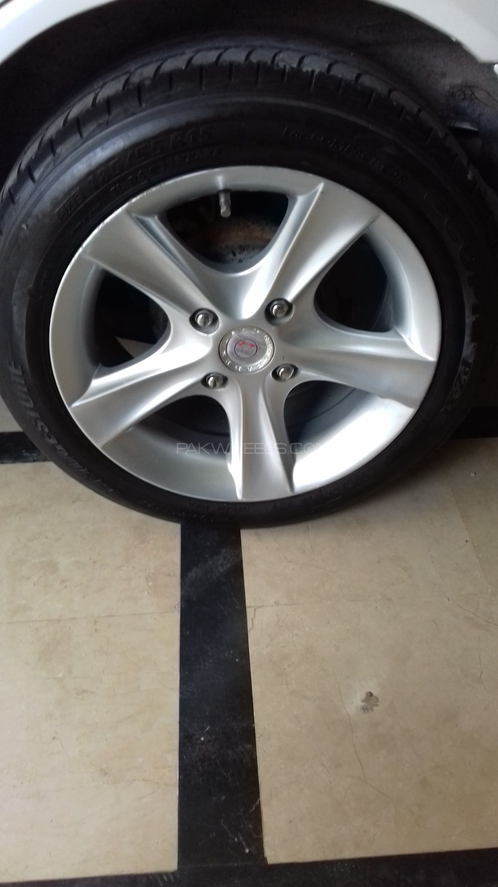 15 inch alloy wheels Image-1