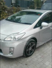 Slide_toyota-prius-s-touring-selection-gs-1-8-2010-14030288