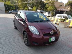 Slide_toyota-vitz-b-intelligent-package-2010-14030420