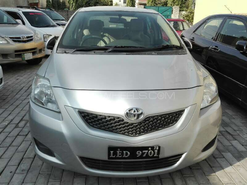 Toyota Belta 2011 Image-1