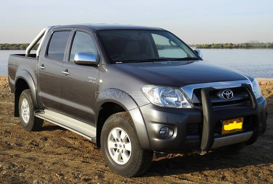 Toyota Hilux 2011 Image-1