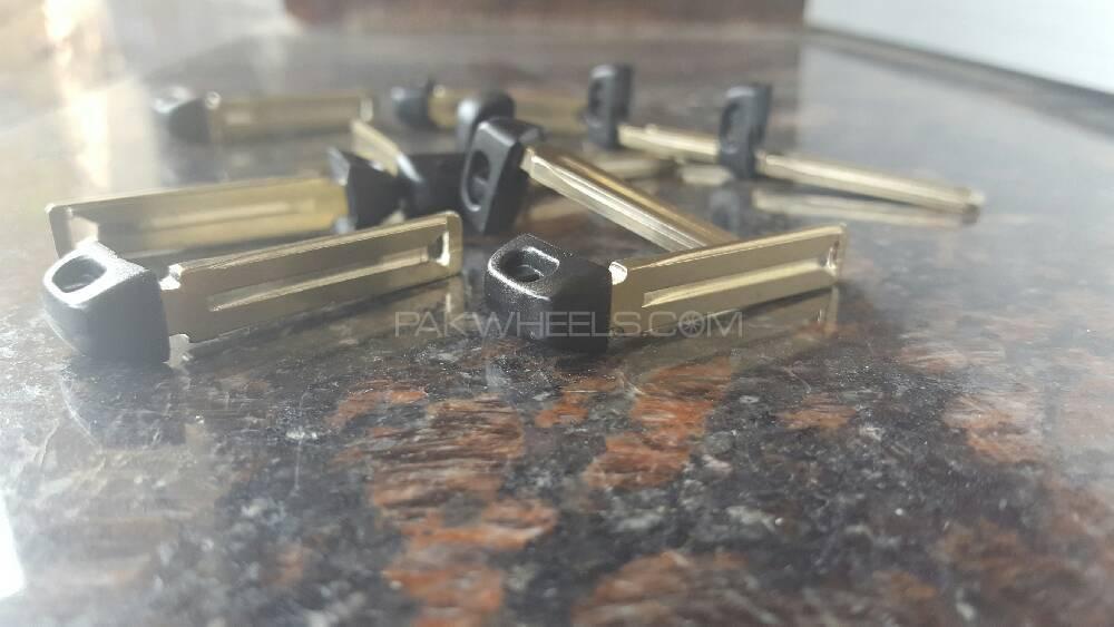 Uncut Steel keys for Prius, Prado, Cruiser, Aqua Image-1