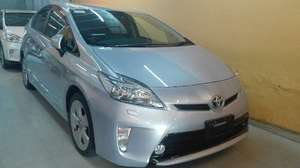 Toyota Prius S Touring Selection 1.8 2013 for Sale in Lahore