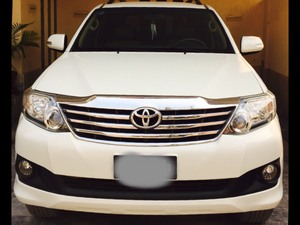 Slide_toyota-fortuner-2-7-automatic-2013-14104981