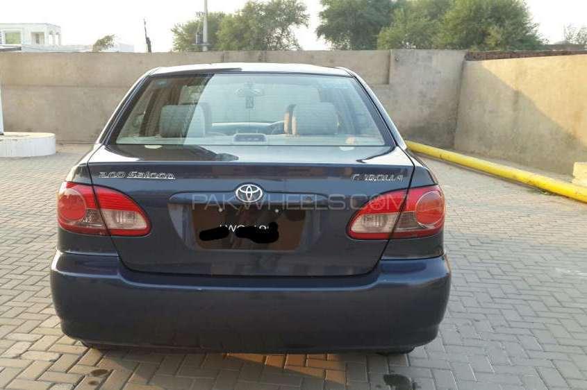 Toyota Corolla 2.0D Saloon 2006 Image-1