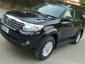 Slide_toyota-fortuner-2-7-automatic-2013-14138339
