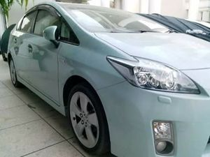 Slide_toyota-prius-g-touring-selection-leather-package-1-8-2011-14131961