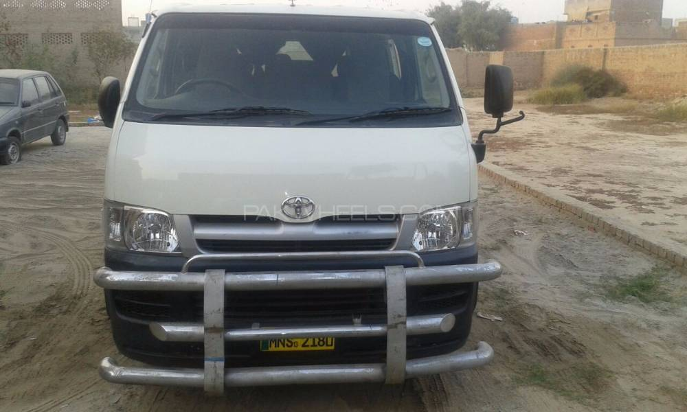 Toyota Hiace High-Roof 3.0 2004 Image-1