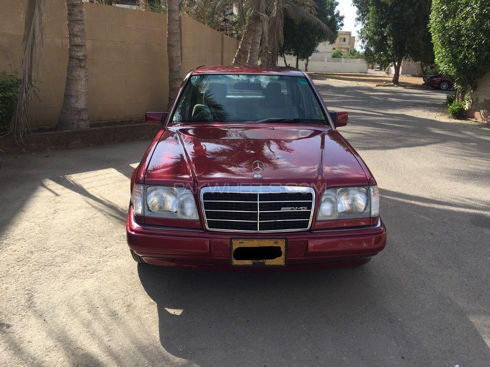 Mercedes Benz E Class E220 1993 Image-1