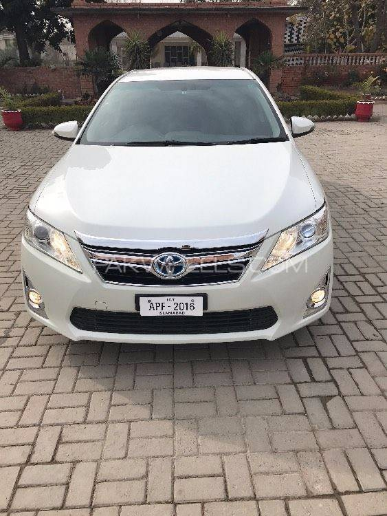 toyota camry hybrid 2013 for sale in peshawar pakwheels. Black Bedroom Furniture Sets. Home Design Ideas