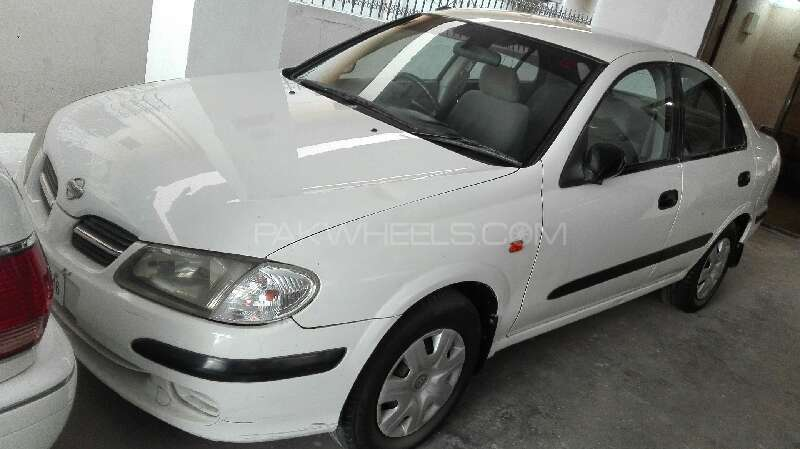 Nissan Sunny 2002 Image-1
