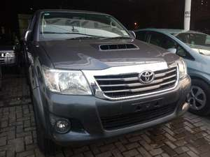 Toyota Hilux D-4D Automatic 2012 for Sale in Lahore