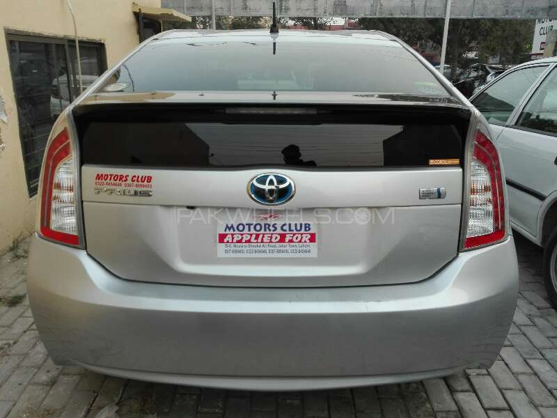 toyota prius 2013 for sale in lahore pakwheels. Black Bedroom Furniture Sets. Home Design Ideas