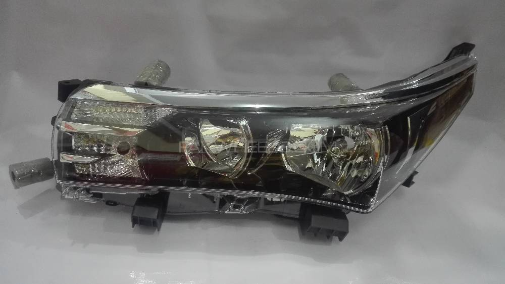 Head Light LH Corolla Grande 2014-2016 Genuine - MC in Lahore