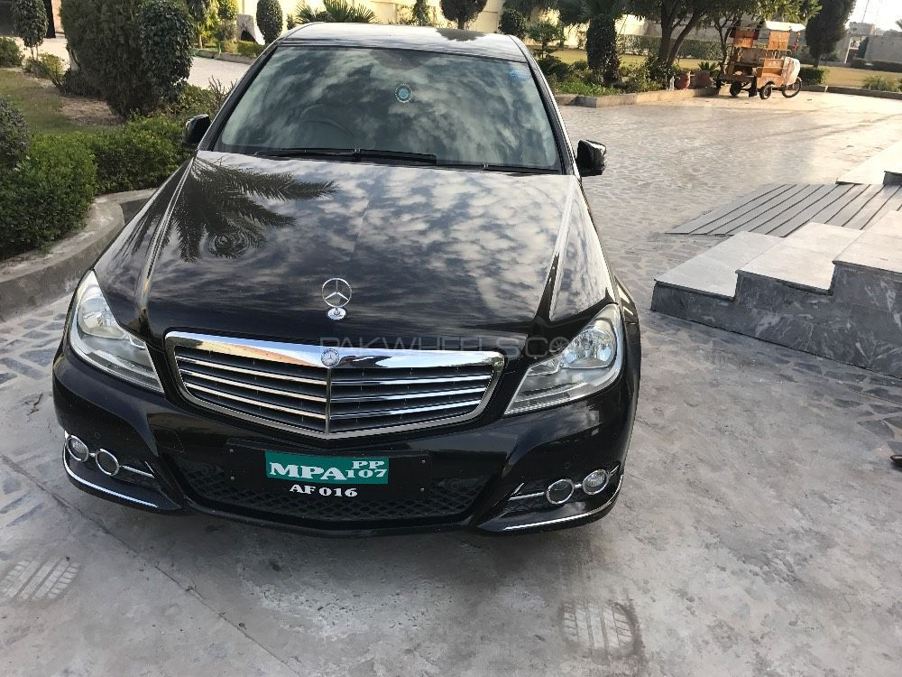 mercedes benz c class c180 2011 for sale in lahore pakwheels. Black Bedroom Furniture Sets. Home Design Ideas