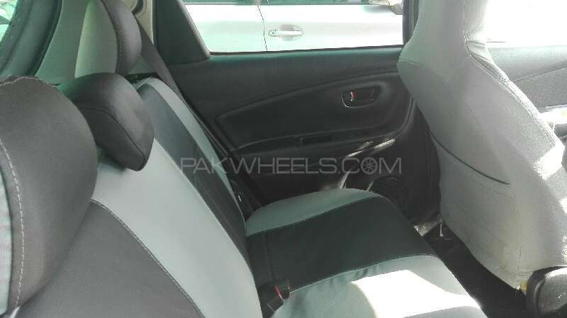 toyota vitz f chambre a paris collection 1 0 2015 for sale in rawalpindi pakwheels. Black Bedroom Furniture Sets. Home Design Ideas