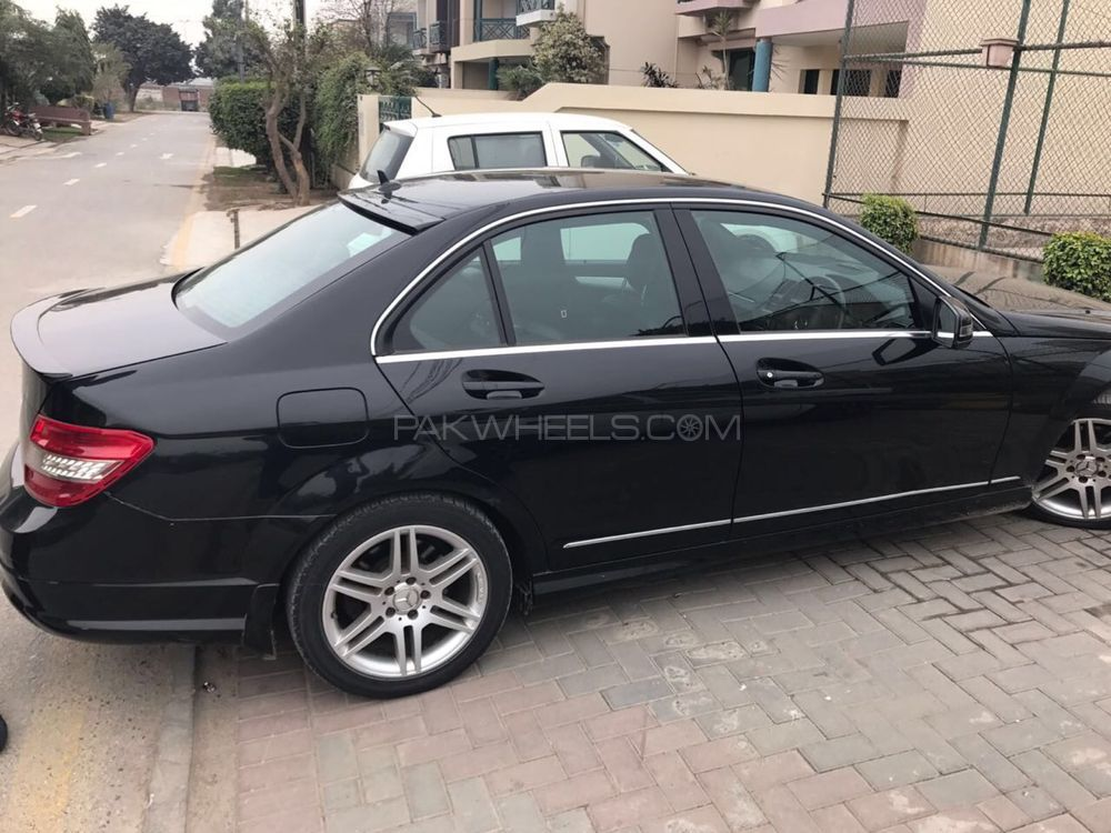 Mercedes benz c class c180 2009 for sale in lahore pakwheels for Used mercedes benz rims for sale